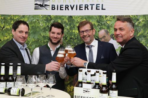 pressekonferenz_bierviertel_bio-cuvee-3-small-1